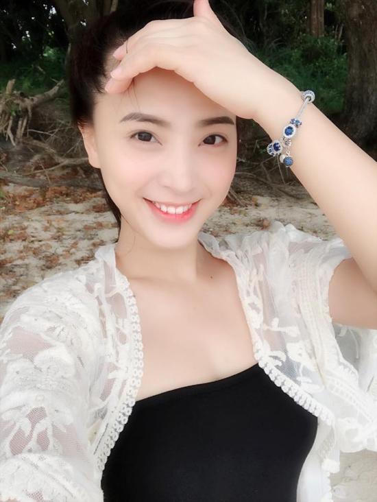 hai-bang-mac-bikini-khoe-dang-thon-gonsau-vai-thang-sinh-con-3