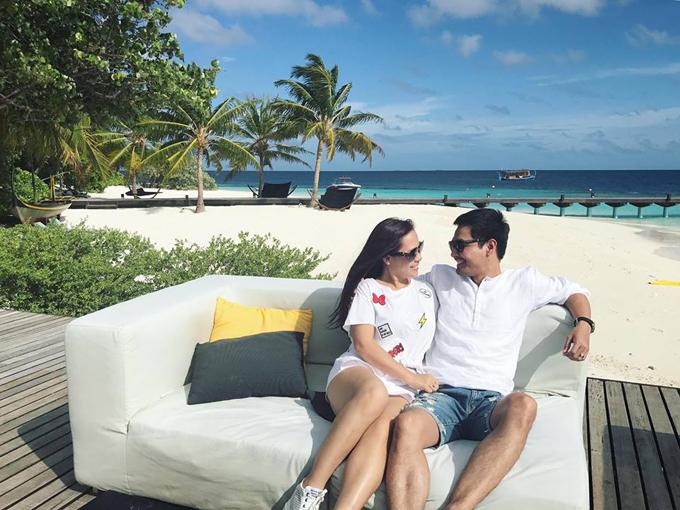 vo-chong-mc-phan-anh-tron-3-con-sang-maldives-ky-niem-17-nam-ben-nhau