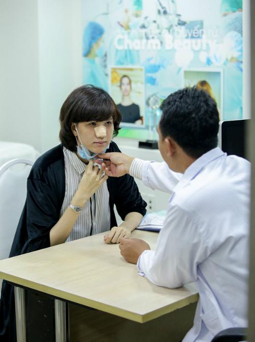 hong-xuan-next-top-model-sua-mui-lan-hai-tai-charm-beauty-4