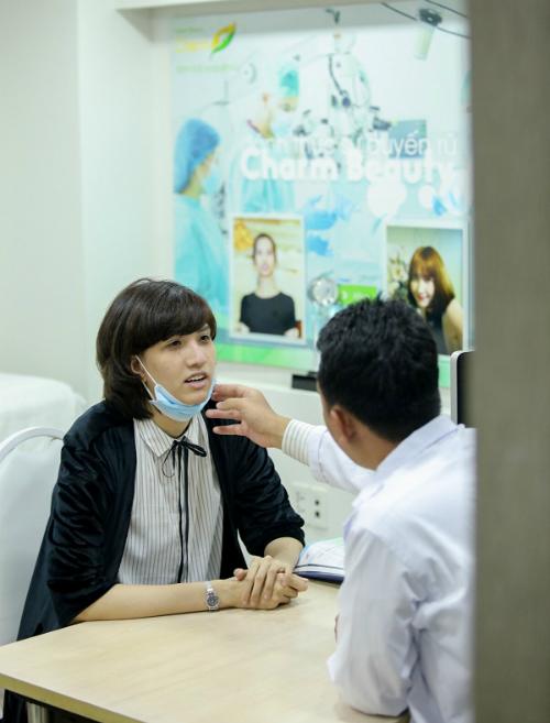 hong-xuan-next-top-model-sua-mui-lan-hai-tai-charm-beauty-5