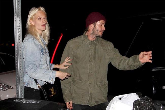 Becks đi chơi cùng Poppy Delevigne