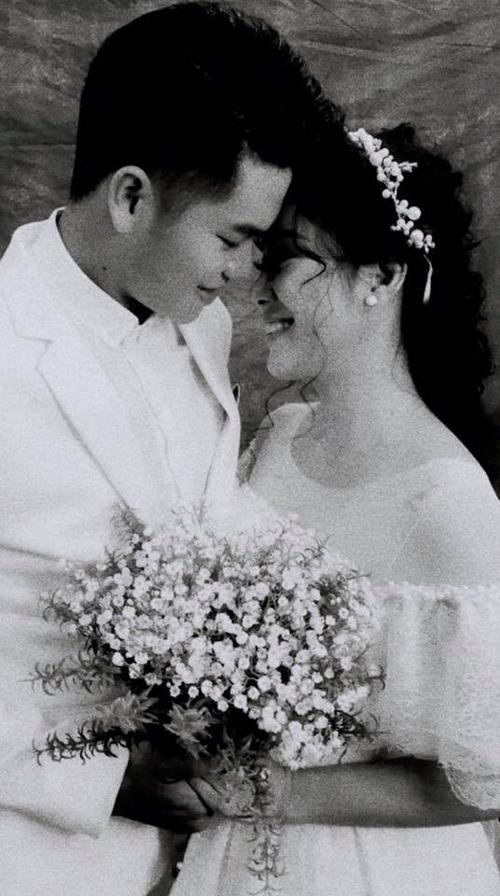 Lê Phương tiết lộ ảnh cưới của cô và bạn trai kém 7 tuổi.