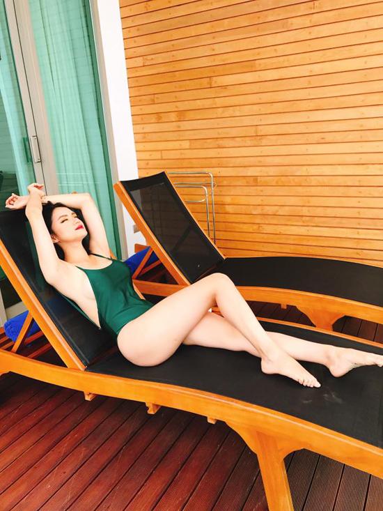 huong-giang-idol-khoe-duong-cong-hut-mat-voi-bikini-sau-2-thang-mat-tich-2