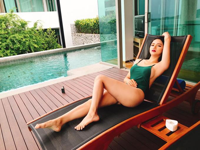 huong-giang-idol-khoe-duong-cong-hut-mat-voi-bikini-sau-2-thang-mat-tich-3