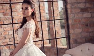 Ba mẫu váy cưới giúp cô dâu ăn gian vòng eo con kiến