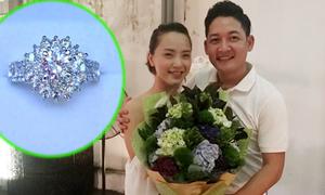 Thành Đạt mua nhẫn kim cương tặng Hải Băng