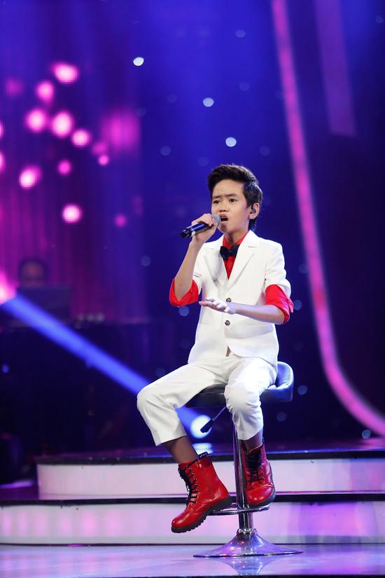 giam-khao-xuc-dong-khi-chia-tay-co-be-khiem-thi-tai-vietnam-idol-kids-8