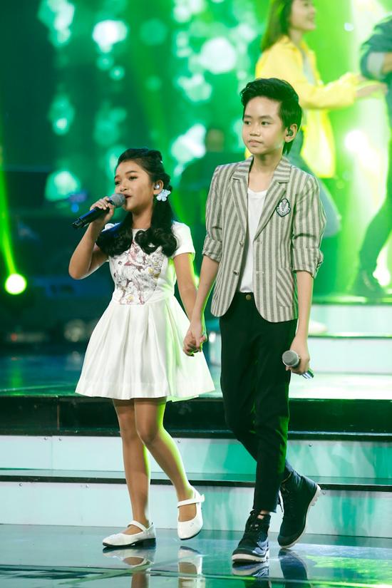 giam-khao-xuc-dong-khi-chia-tay-co-be-khiem-thi-tai-vietnam-idol-kids-10