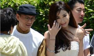 Hôn nhân gặp sóng gió, Ôn Bích Hà tới chùa ăn chay