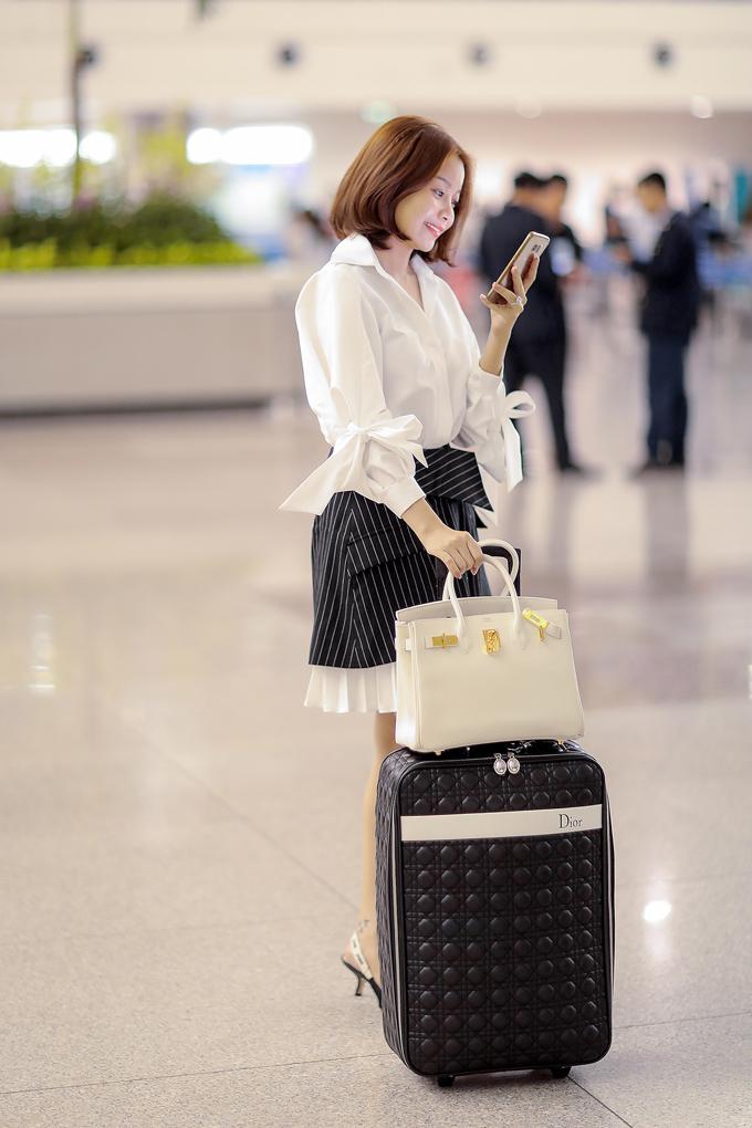 Sau khi trở về Việt Nam, người đẹp sẽ bắt tay chuẩn bị những dự án kinh doanh khác tại TP HCM để kịp ra mắt công chúng vào tháng 11
