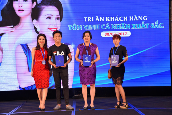 ngoc-dung-tang-500-trieu-dong-tri-an-phai-dep-tp-hcm