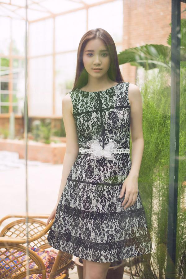 Bộ ảnh được thực hiện với sự hỗ trợ của nhiếp ảnh Mon Trần, trang điểm Bảo Bảo, người mẫu