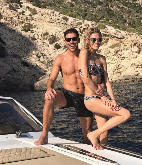 HLV của Atletico đưa bạn gái và công chúa nhỏ tới Ibiza nghỉ dưỡng cuối tuần qua