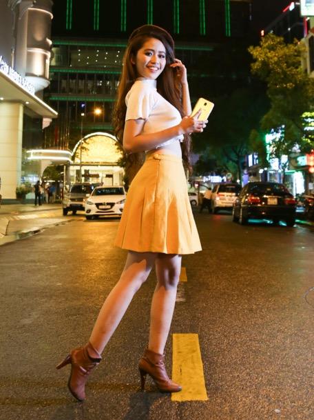 bi-quyetchup-anh-ha-noi-ve-dem-dep-bang-smartphone-1