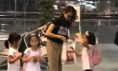 Lê Tư đưa ba con gái đi du lịch Nhật Bản