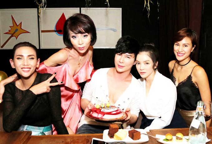 nathan-lee-hon-ly-nha-ky-phuong-mai-trong-tiec-sinh-nhat-7