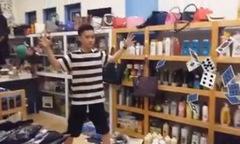 Hot boy 14 tuổi làm video ảo thuật điêu luyện