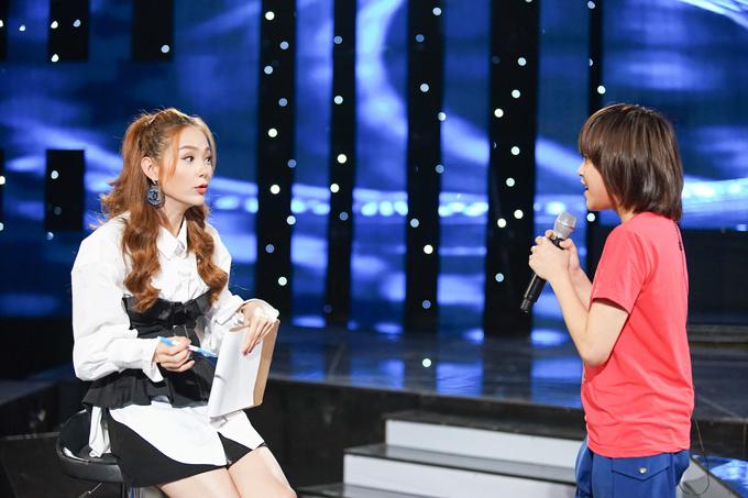 minh-hang-tan-tinh-huong-dan-top-3-idol-kids-truoc-dem-chung-ket-3