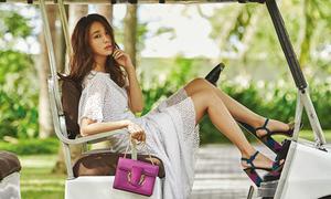 Bà xã Lee Byung Hun đẹp yêu kiều trước biển Đà Nẵng
