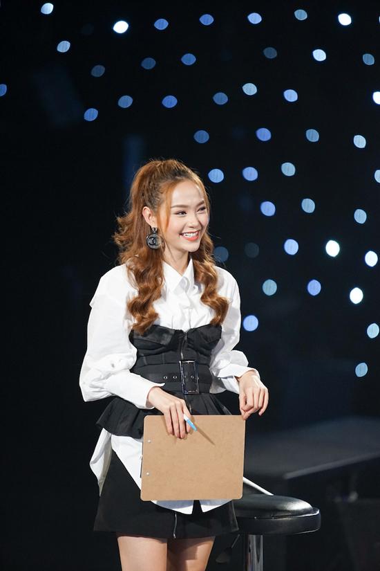 minh-hang-tan-tinh-huong-dan-top-3-idol-kids-truoc-dem-chung-ket