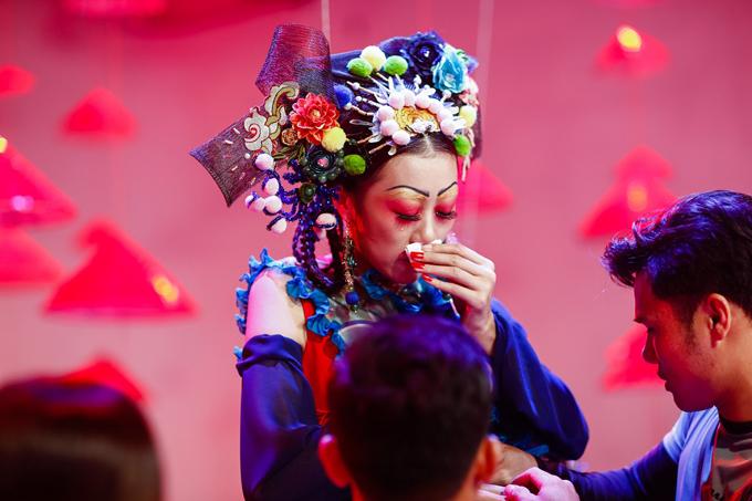 next-top-gay-kho-thi-sinh-bang-nhung-thu-thach-khac-nghiet-3