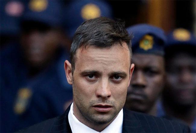 Pistorius nhập viện khi đang thụ án trong tù