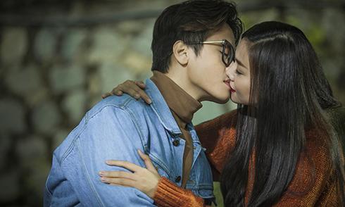 Thanh Hằng, Hà Anh Tuấn khó thoát khỏi cảm xúc sau khi đóng cảnh hôn