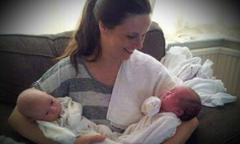 Bà mẹ suýt mất mạng vì chứng tiền sản giật khi mang thai hai con sinh đôi