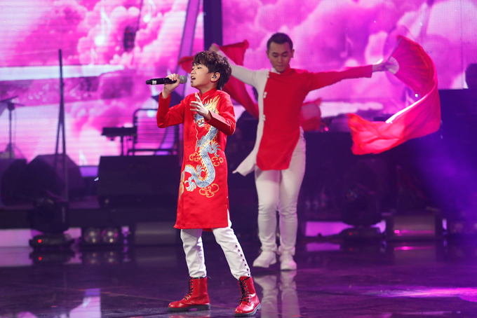 minh-hang-muon-de-lien-khi-xem-thien-khoi-trinh-dien-tai-idol-kids-7