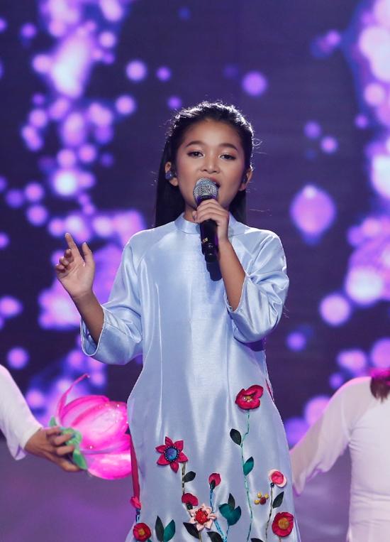 minh-hang-muon-de-lien-khi-xem-thien-khoi-trinh-dien-tai-idol-kids-8