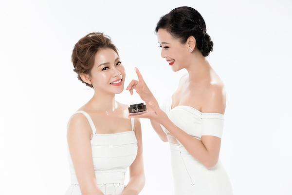 Hoa hậu Hải Dương là một nữ CEO sở hữu nhiều thương hiệu chăm sóc da, làm đẹp từ xứ sở Kim Chi.