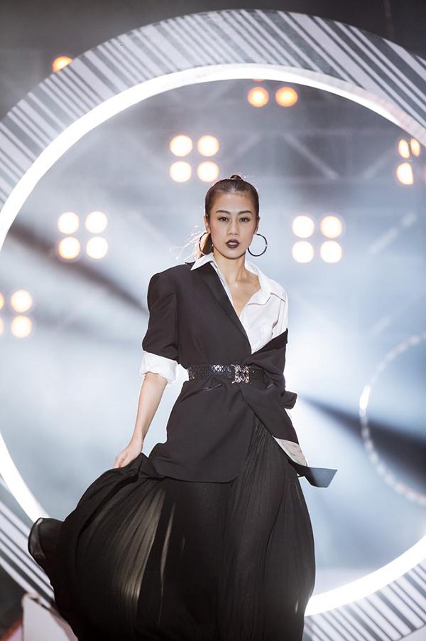 Sau khi Lại Thanh Hương bị loại, thí sinh Kikki Lê có phần hả hê. Cô cho rằng, Lại Thanh Hương có catwalk giỏi thì cũng không thể trở thành người mẫu giống như Nhiều người có giọng hát hay nhưng không thể trở thành ca sĩ.