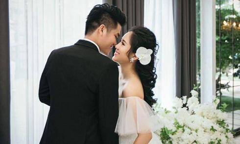 Lê Phương khoe ảnh cưới ngọt ngào trước ngày lên xe hoa