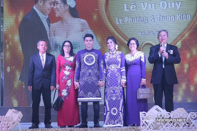 le-phuong-hon-trung-kien-say-dam-truoc-mat-con-trai-12