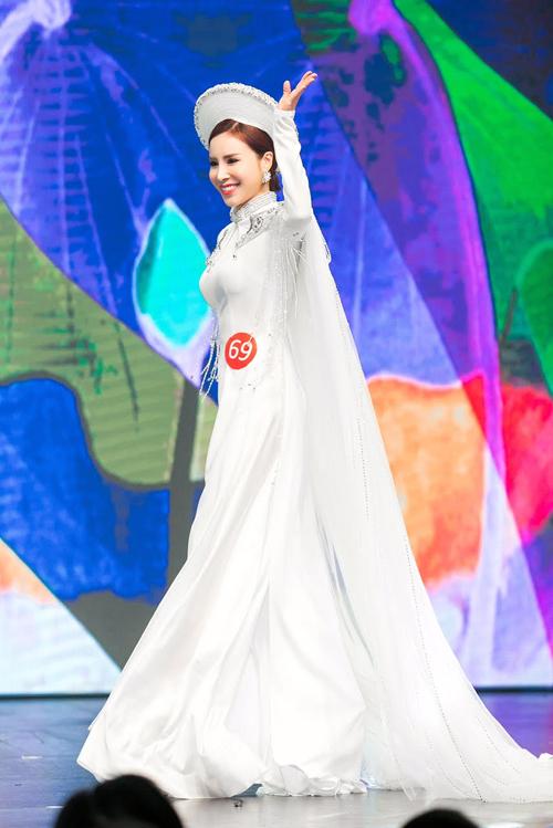 hoang-dung-dang-quang-mrs-ao-dai-vietnam-6