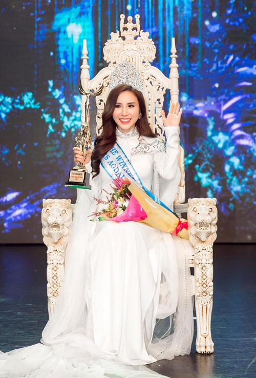 hoang-dung-dang-quang-mrs-ao-dai-vietnam-2