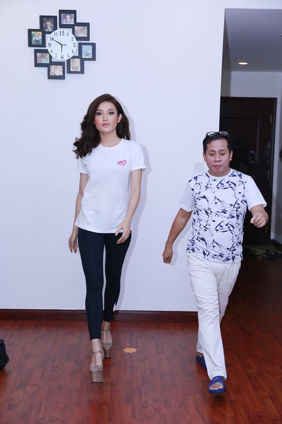 Chuyên gia đào tạo catwalk Anjo Santos, người được mệnh danh là cha đẻ của lò luyện sắc đẹp Philippines đã có những nhận xét về Á hậu Huyền My sau quãng thời gian tập luyện cùng cô để chuẩn bị cho cuộc thi Hoa hậu Hoà bình thế giới 2017 sắp diễn ra vào tháng 10 tới tại Việt Nam.