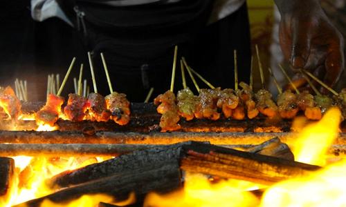 Phố thịt xiên nướng satay thơm phức tại Singapore