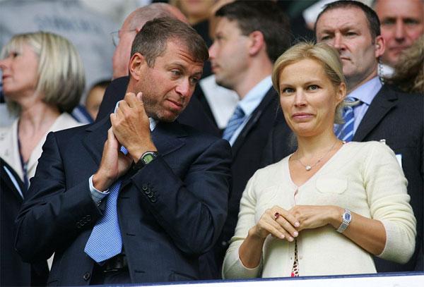 Ông Abramovich và người vợ thứ hai, Irina.