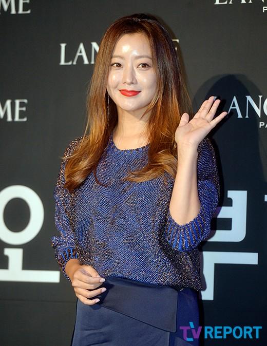 kim-hee-sun-mat-diem-vi-mat-cang-tron-bong-nhay-2