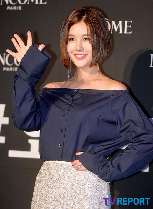 kim-hee-sun-mat-diem-vi-mat-cang-tron-bong-nhay-8