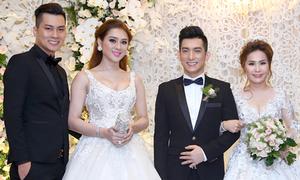 Lâm Khánh Chi cùng hôn phu điển trai dự tiệc cưới của Bảo Duy
