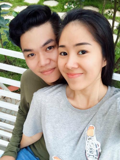 Lê Phương và Trung Kiên hạnh phúc sau đám cưới.