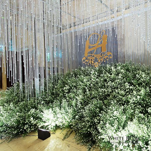 white-palace-tang-goi-trang-tri-tiec-cuoi-100-trieu-dong-4