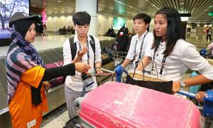 Tuyển nữ Việt Nam bị thất lạc hành lý ở sân bay Kuala Lumpur