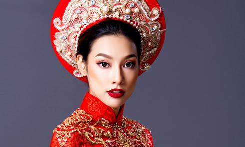Lilly Nguyễn duyên dáng với áo dài cưới đính kết cầu kỳ
