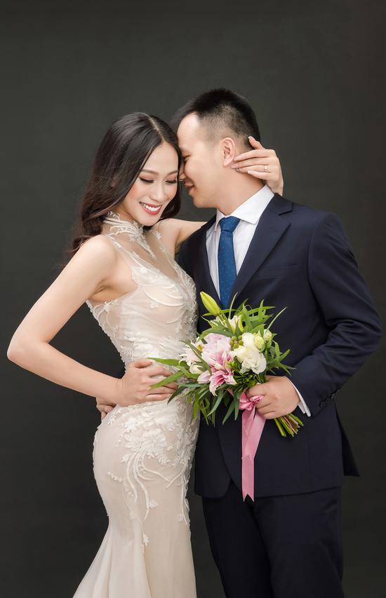 a-hau-dai-duong-2014-len-xe-hoa-voi-giang-vien-dh-ngoai-thuong-6