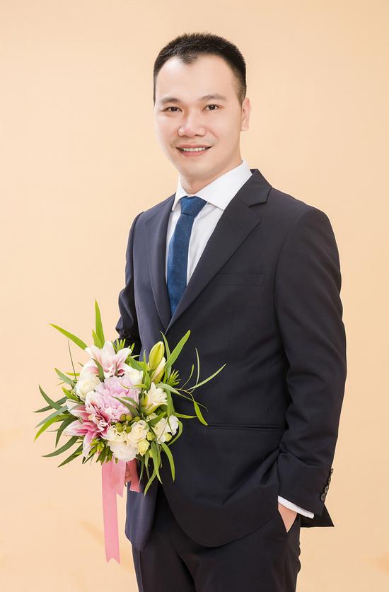 a-hau-dai-duong-2014-len-xe-hoa-voi-giang-vien-dh-ngoai-thuong-7