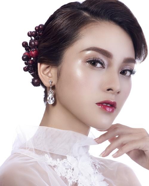 Photo: Tuấn Anh Lê Model: mimile, quỳnh lương  Makeup: cao tuấn đạt  Hair: trần vân  3ce studio