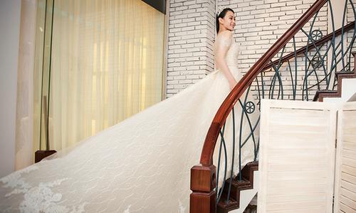 Á hậu Đại dương 2014 diện váy cưới sóng biển trong hôn lễ
